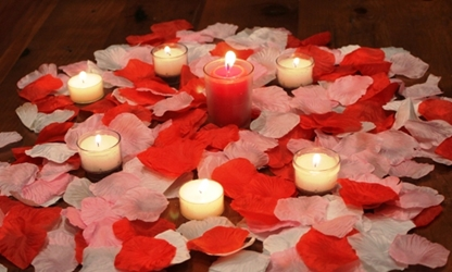 Romantic package w/ 1500 artificial rose petals - Valentine Mix